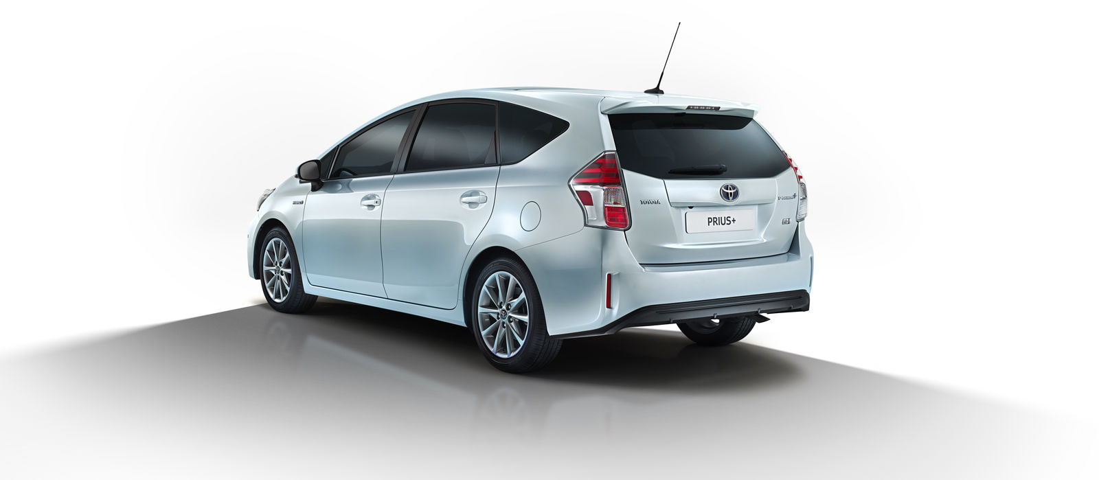 2015 toyota prius updates announced carwow. Black Bedroom Furniture Sets. Home Design Ideas