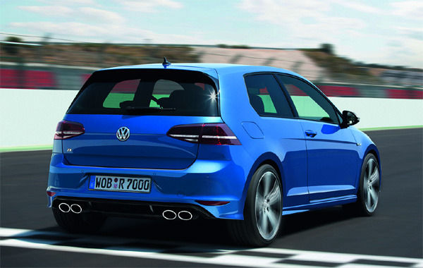 vw golf gti mk7 vs golf r full uk guide carwow. Black Bedroom Furniture Sets. Home Design Ideas