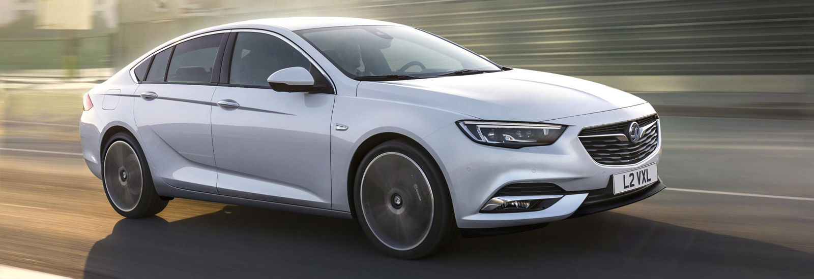 2017 vauxhall insignia price specs release date carwow