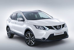 Nissan qashqai 2014 white front main 0