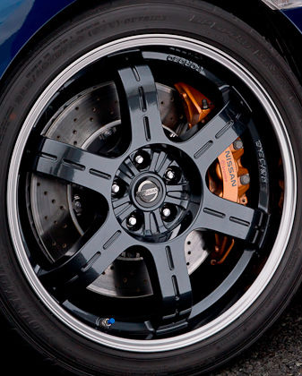 Nissan Track Pack wheels