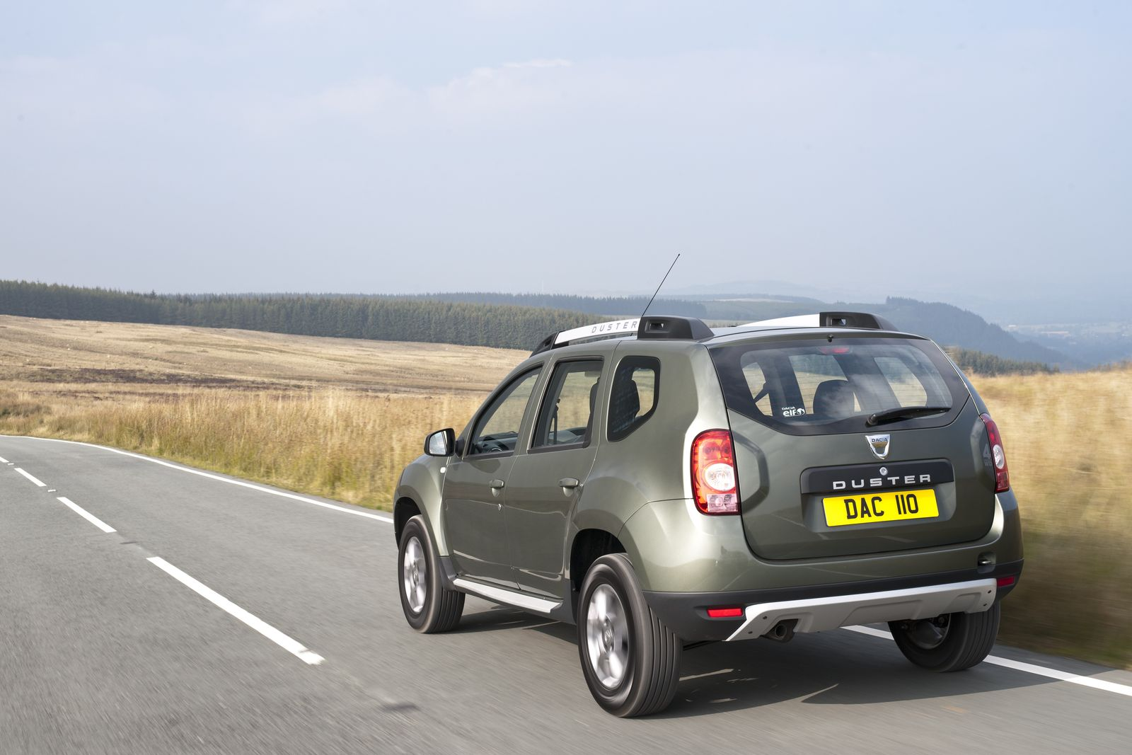 2015 dacia duster uk spec unveiled carwow. Black Bedroom Furniture Sets. Home Design Ideas