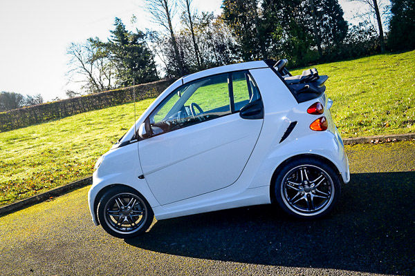 Smart fortwo cabrio 98 brabus xclusive review carwow smart fortwo brabus side altavistaventures Image collections
