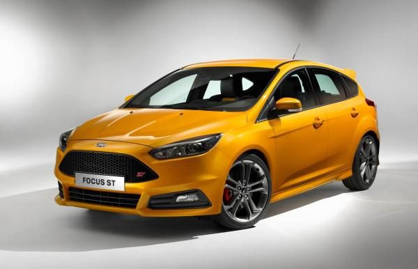 Although practicality is a big factor with cars like these styling has come on in leaps and bounds in recent years and buyers have some neat-looking models ... & Ford Focus vs Toyota Auris u2013 practical family hatchbacks compared ... markmcfarlin.com
