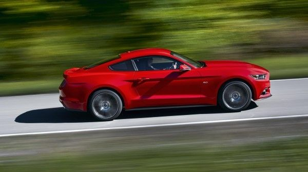 2014 Ford Mustang driving