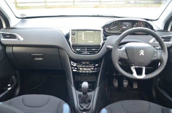 Peugeot 208 1 2 Vti Allure Full Uk Road Test Review Carwow