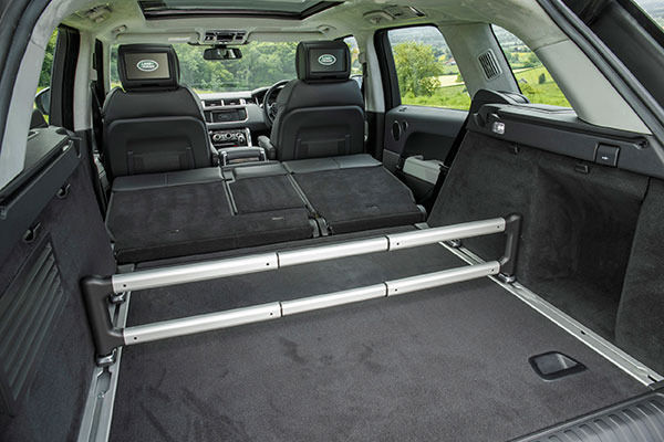 2014 range rover sport review as good as we all hoped carwow. Black Bedroom Furniture Sets. Home Design Ideas