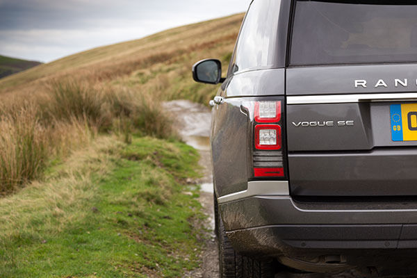 Range Rover 2014 Rear On