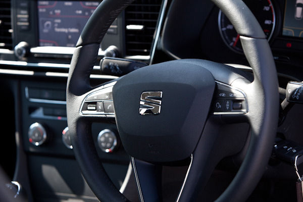 seat leon 1 2 tsi review the perfect car carwow. Black Bedroom Furniture Sets. Home Design Ideas
