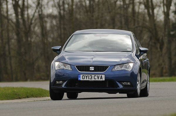 SEAT Leon driving on track
