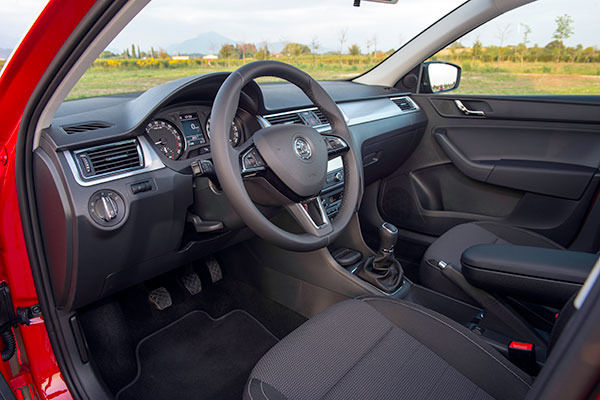 Skoda Rapid Spaceback Review - Full UK Review | carwow