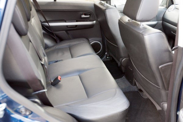 Suzuki Grand Vitara rear seats