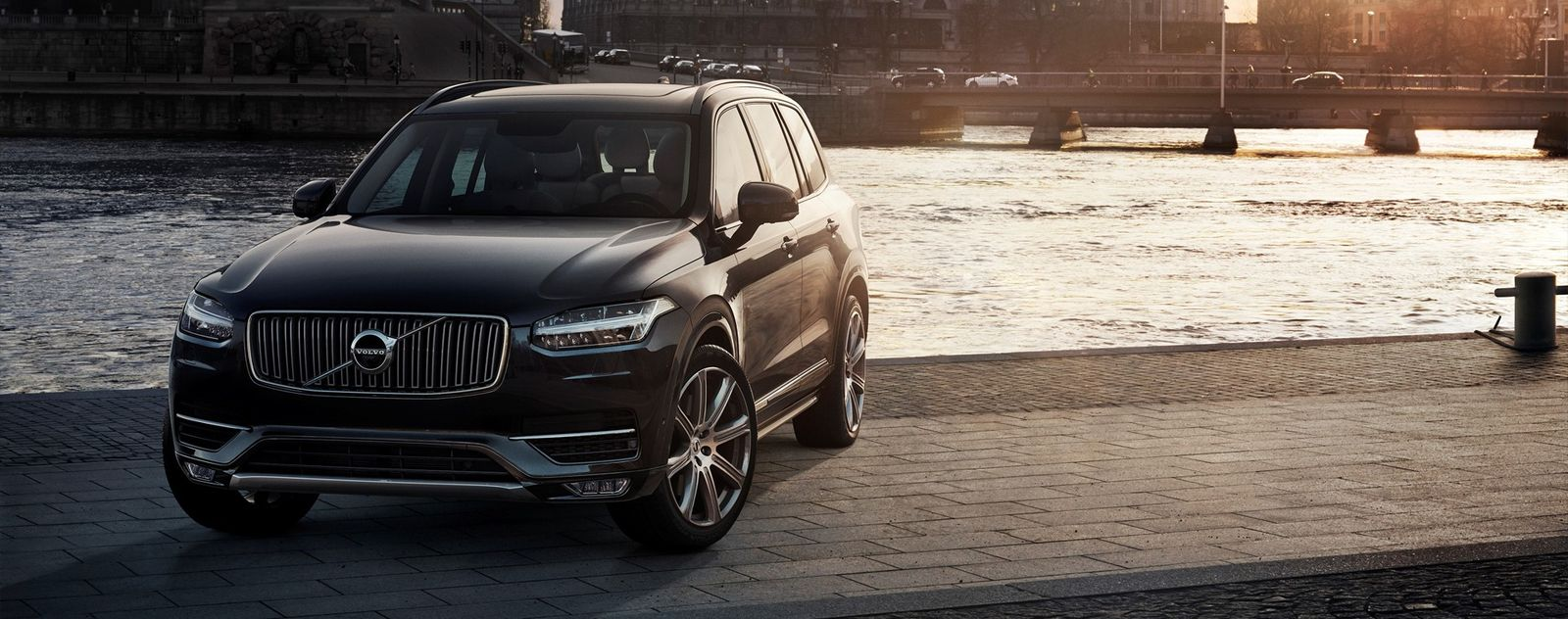 Volvo xc90 turning radius