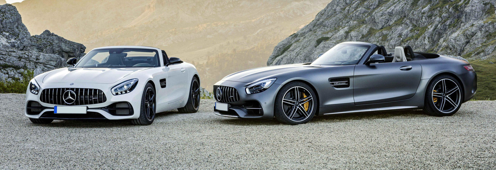 https://photos-0.carwow.co.uk/blog/1600/mercedes-amg-gt-roadster_0.jpg
