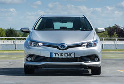 2015 auris hybrid exterior static pc 1
