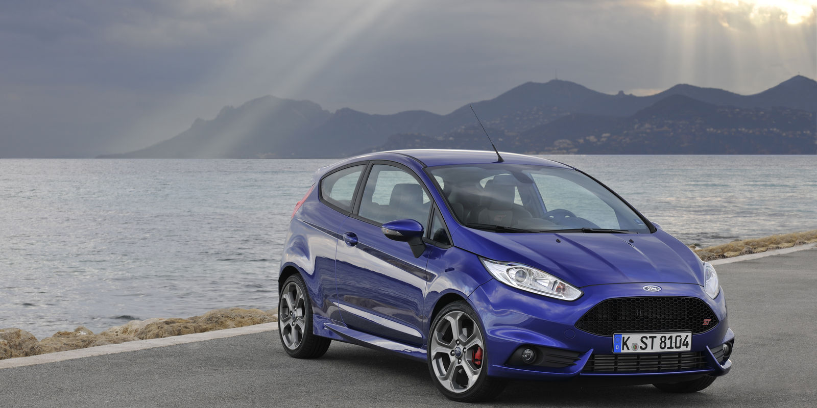 ford fiesta st review deals carwow. Black Bedroom Furniture Sets. Home Design Ideas