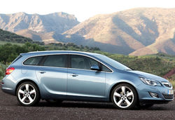 Vauxhall astra sports tourer 1